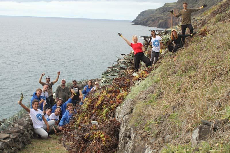 Volunteer Escapes Camps Açores: Controlo de Invasoras e Voluntariado Local